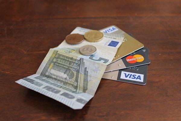 credit-card-1605191_640.jpg