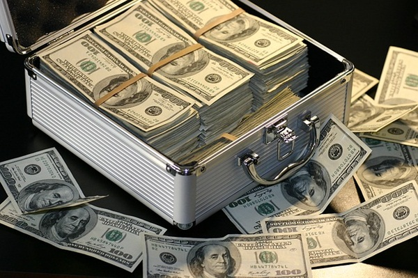 money-1428594_640.jpg